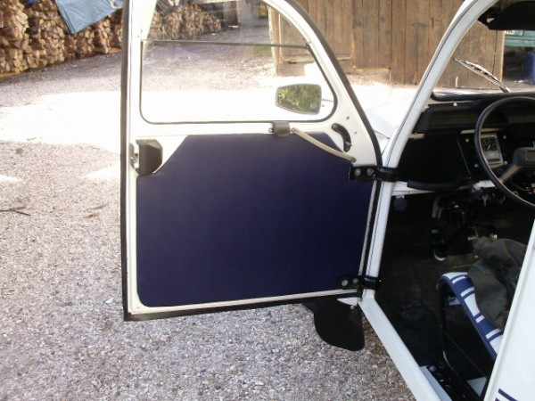 le sp cialiste de la 2cv restaur e dans les vosges replique 2cv fr3. Black Bedroom Furniture Sets. Home Design Ideas
