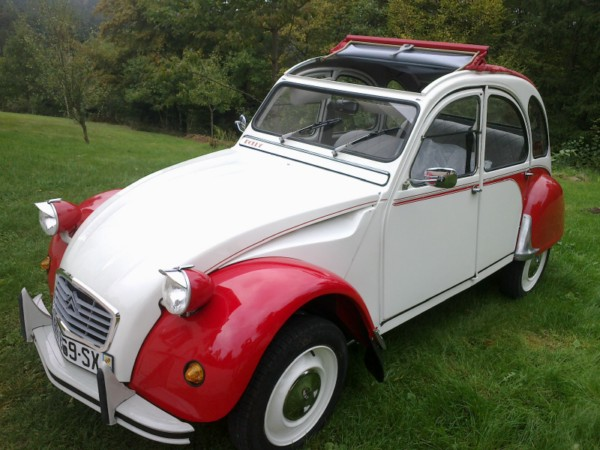 le sp cialiste de la 2cv restaur e dans les vosges vehicule a vendre. Black Bedroom Furniture Sets. Home Design Ideas